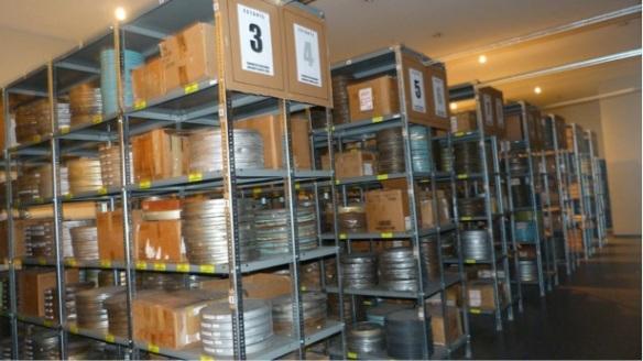 Una de las bóvedas de archivo de películas de la Cinemateca Boliviana-Archivo Nacional de Imágenes en Movimiento.