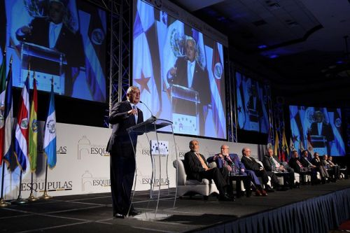 El Presidente Pérez de Guatemala inaugura el IV Foro Esquipulas